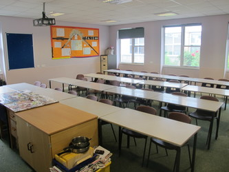 Classroom - U Block - Kenilworth School and Sixth Form - Warwickshire - 4 - SchoolHire