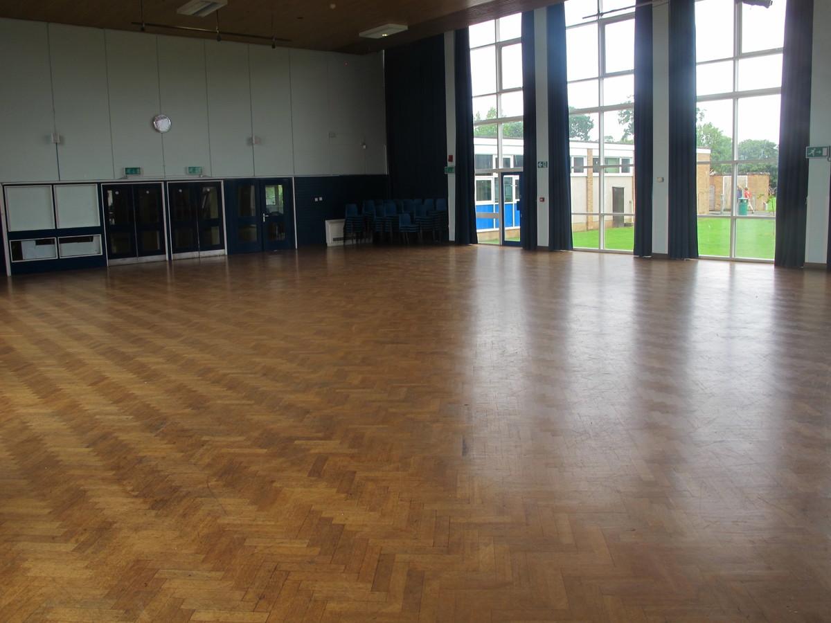 Hall - Upper School - Kenilworth School and Sixth Form - Warwickshire - 4 - SchoolHire