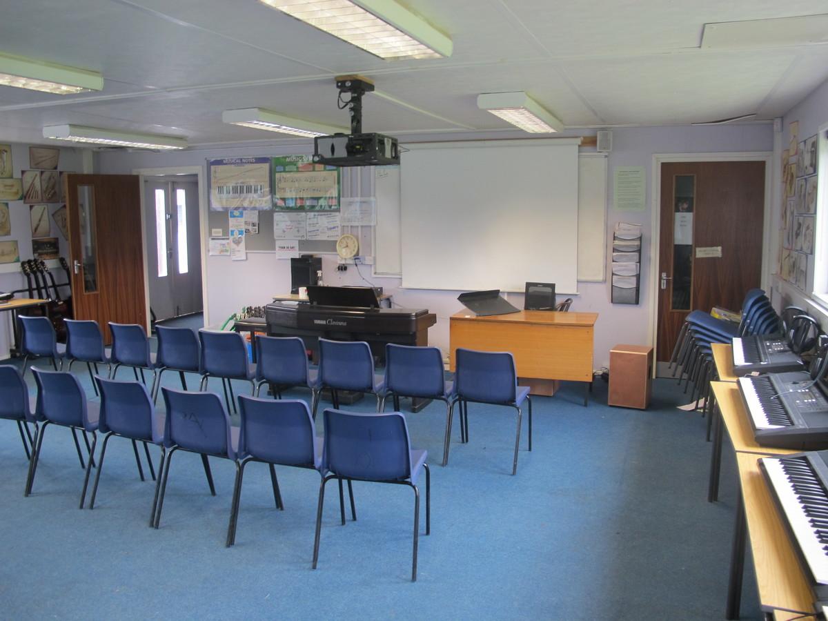 Old Music Hut - Kenilworth School and Sixth Form - Warwickshire - 1 - SchoolHire