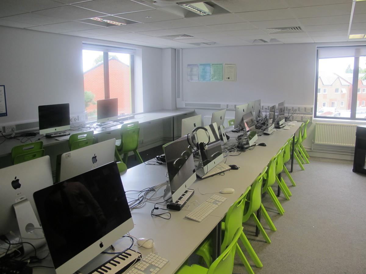 ICT Suite - Merchants of Fitness @ OLSC - Wolverhampton - 1 - SchoolHire