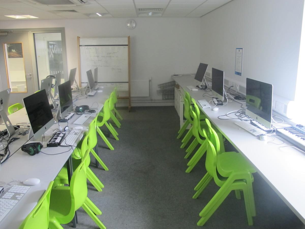 ICT Suite - Merchants of Fitness @ OLSC - Wolverhampton - 2 - SchoolHire