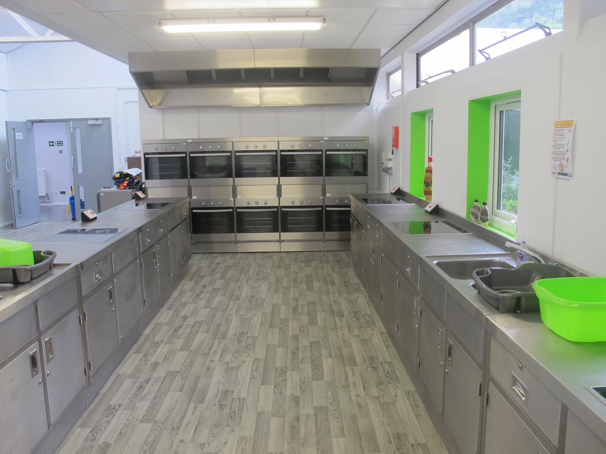 Kitchen Classroom - Merchants of Fitness @ OLSC - Wolverhampton - 2 - SchoolHire
