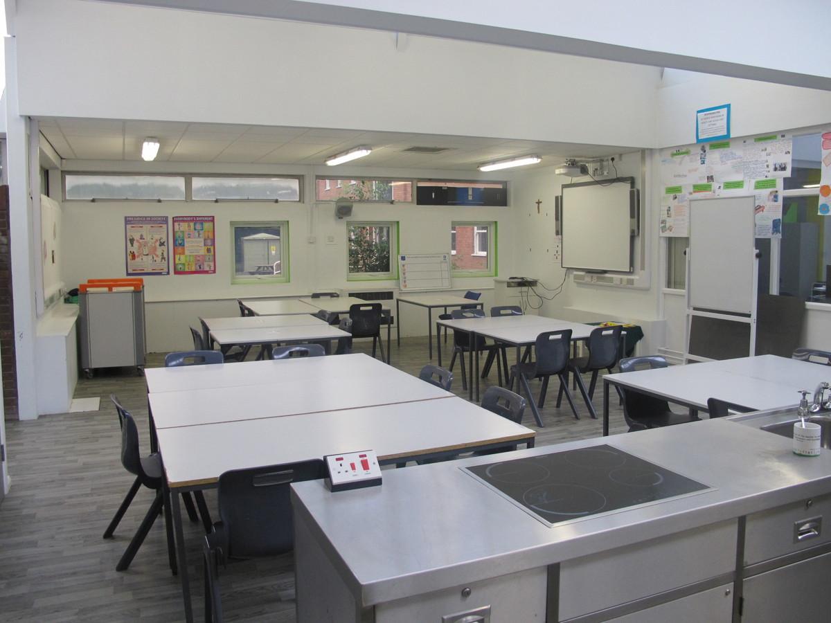 Kitchen Classroom - Merchants of Fitness @ OLSC - Wolverhampton - 3 - SchoolHire