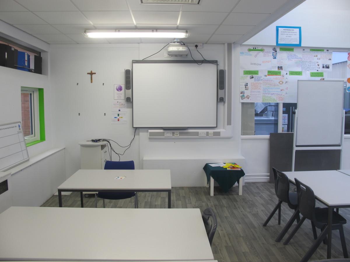 Kitchen Classroom - Merchants of Fitness @ OLSC - Wolverhampton - 4 - SchoolHire