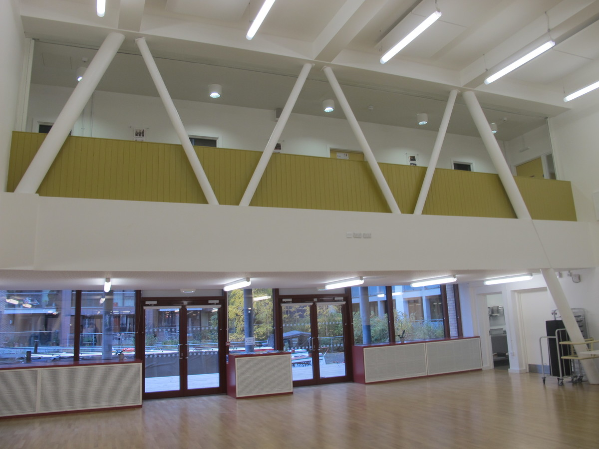 School Hall - Hackney New School - Hackney - 4 - SchoolHire