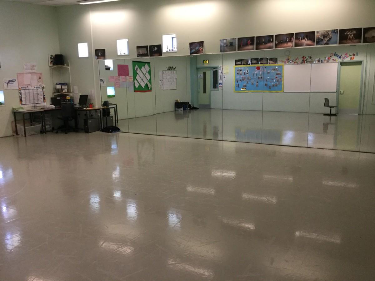 Dance Studio - The Blyth Academy - Northumberland - 3 - SchoolHire