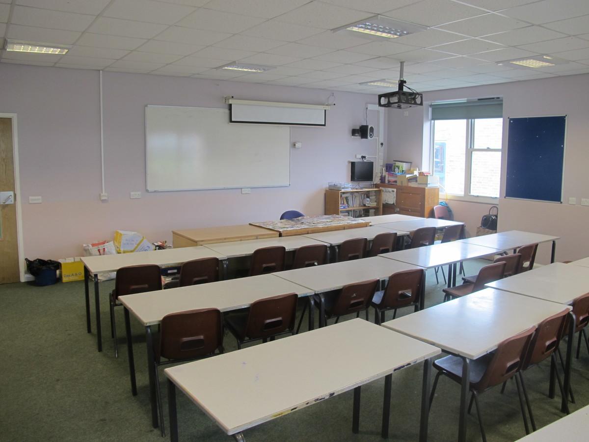 Classrooms - L Block - Kenilworth School and Sixth Form - Warwickshire - 1 - SchoolHire