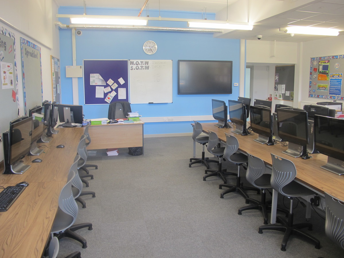 ICT Suite - Laurence Jackson Sports Village - North Yorkshire - 3 - SchoolHire