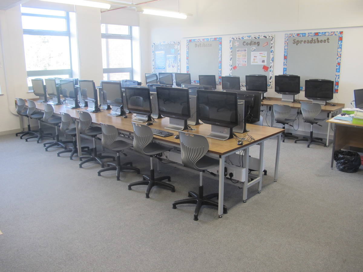 ICT Suite - Laurence Jackson Sports Village - North Yorkshire - 4 - SchoolHire