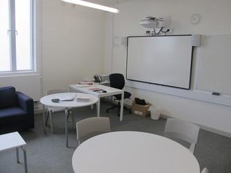 Meeting Room - DR.4.01 - Hackney New School - Hackney - 2 - SchoolHire