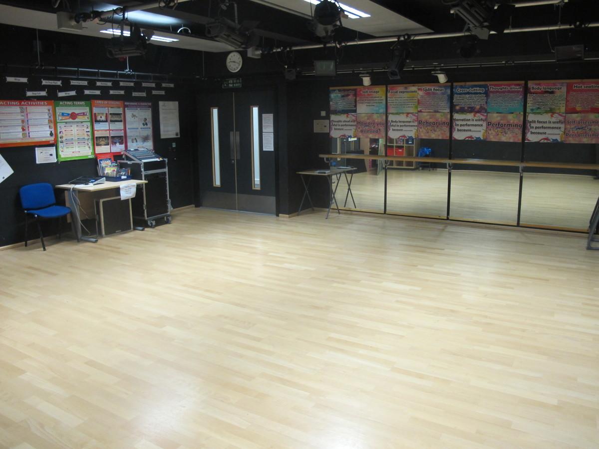 Dance / Drama Room 2 - Kirk Balk Academy - Barnsley - 4 - SchoolHire