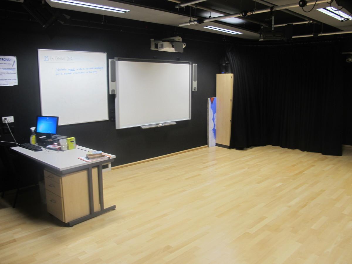 Drama Room 1 - Kirk Balk Academy - Barnsley - 3 - SchoolHire