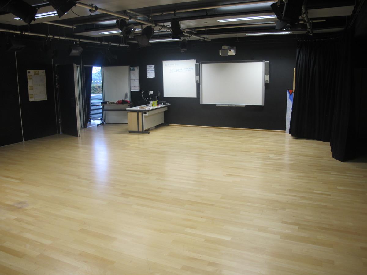 Drama Room 1 - Kirk Balk Academy - Barnsley - 4 - SchoolHire
