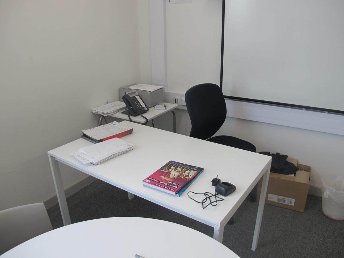 Meeting Room - DR.4.01 - Hackney New School - Hackney - 3 - SchoolHire