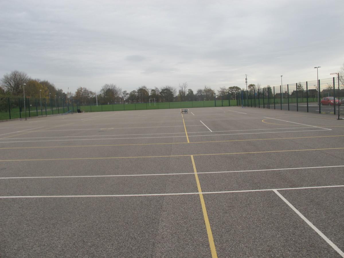 MUGA - Tennis / Netball - Kirk Balk Academy - Barnsley - 2 - SchoolHire
