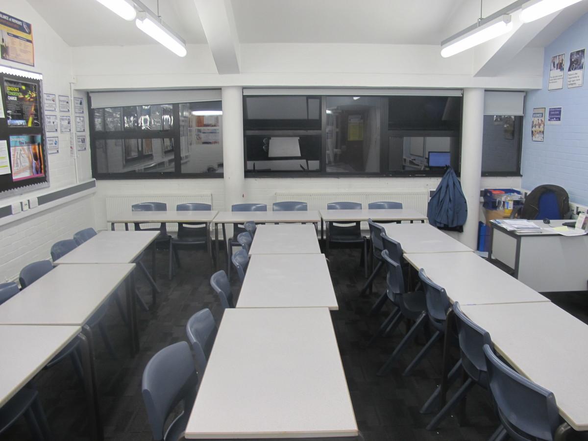 Classrooms - Standard - Plumstead Manor School - Greenwich - 4 - SchoolHire