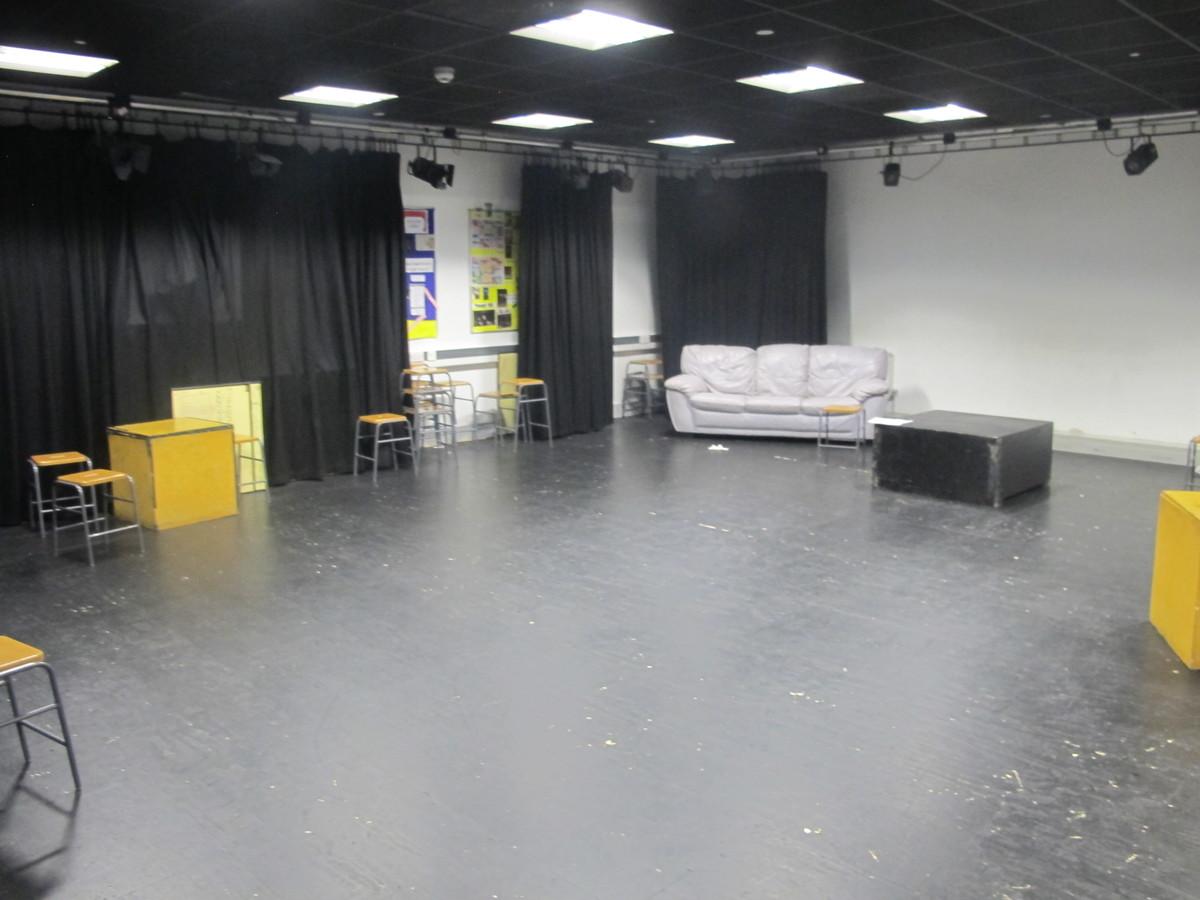 Drama Studio (H007) - Plumstead Manor School - Greenwich - 2 - SchoolHire