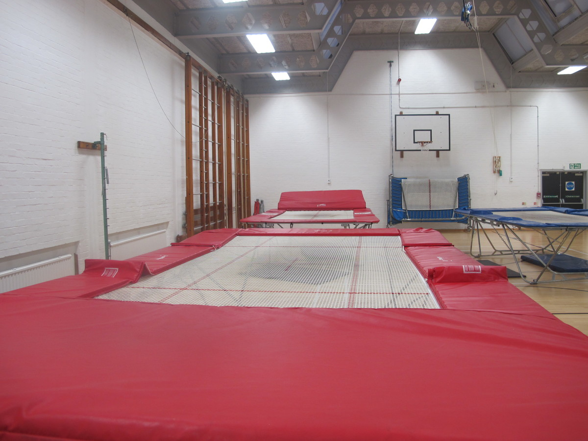 Gymnasium 1 (G016) - Plumstead Manor School - Greenwich - 2 - SchoolHire