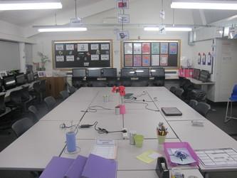 ICT Suite - Plumstead Manor School - Greenwich - 3 - SchoolHire