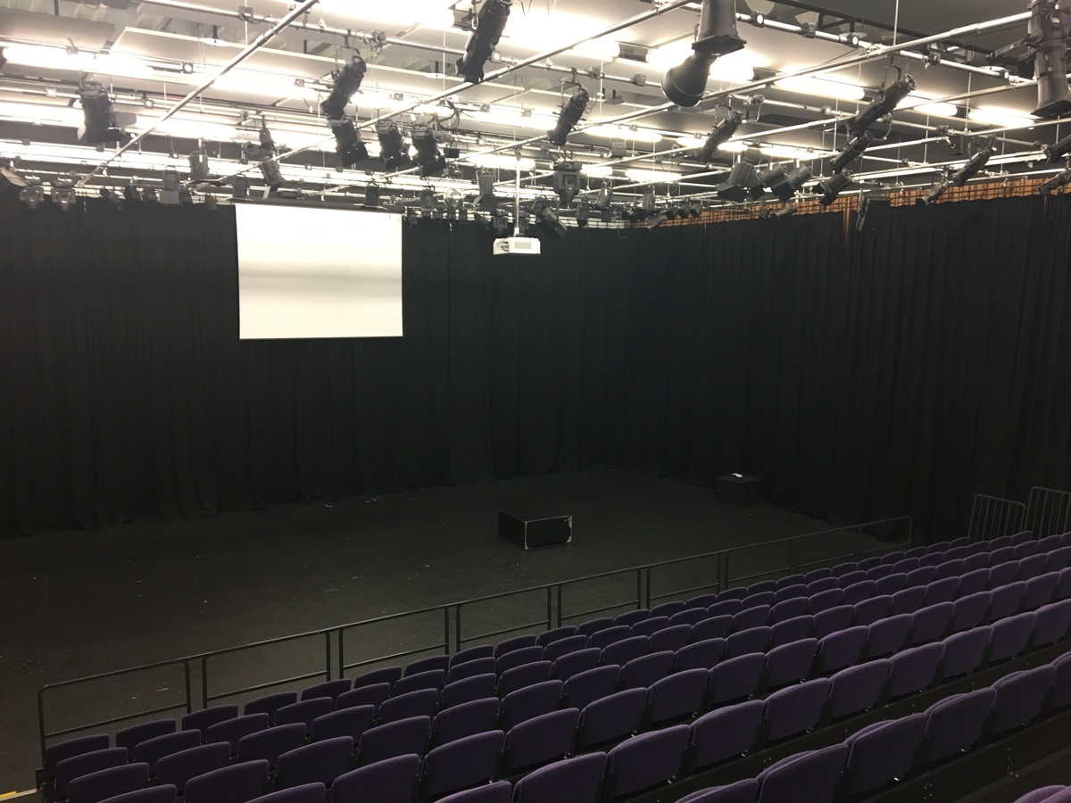 Main Performance Hall (H014) - Plumstead Manor School - Greenwich - 2 - SchoolHire