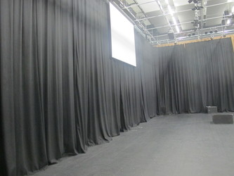 Main Performance Hall (H014) - Plumstead Manor School - Greenwich - 4 - SchoolHire