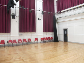 Meeting Hall (K028) - Plumstead Manor School - Greenwich - 4 - SchoolHire