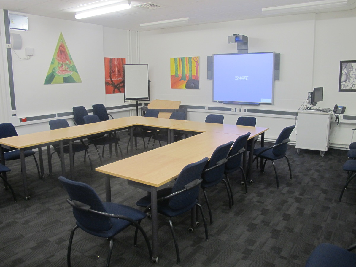 Meeting Room (K014) - Plumstead Manor School - Greenwich - 1 - SchoolHire