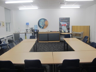 Meeting Room (K014) - Plumstead Manor School - Greenwich - 3 - SchoolHire