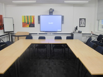Meeting Room (K014) - Plumstead Manor School - Greenwich - 4 - SchoolHire
