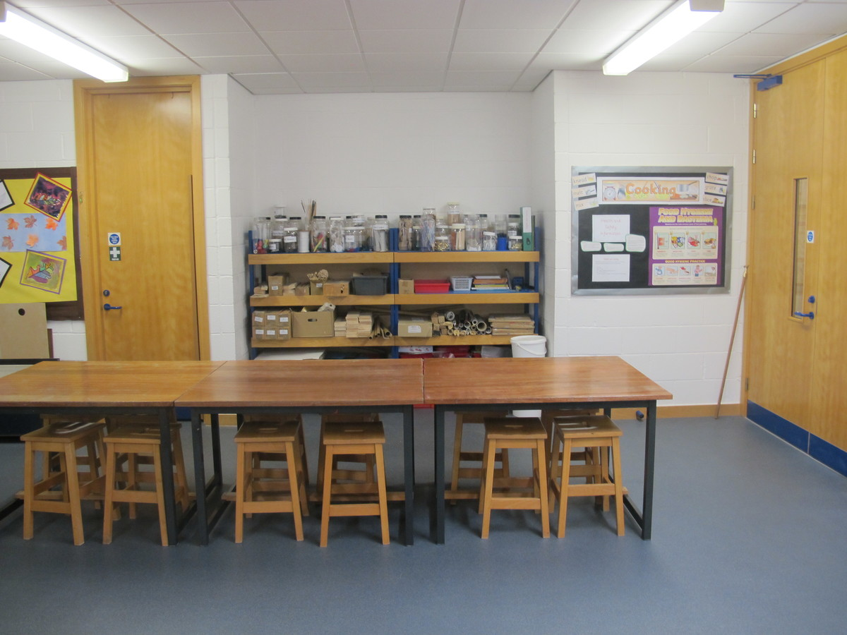 Art Room - Wake Wing - Northampton High School - Northamptonshire - 3 - SchoolHire