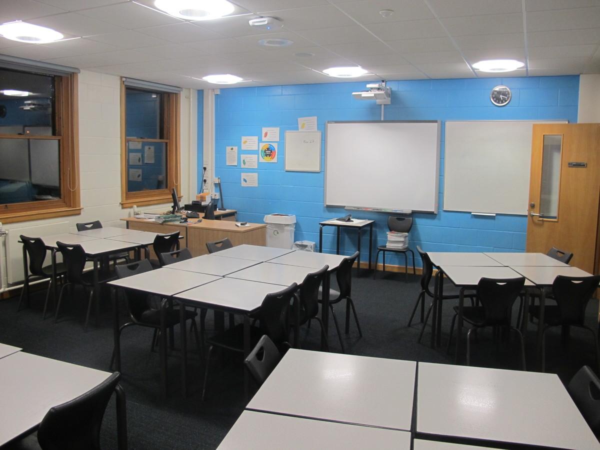 Classrooms - B Corridor - Northampton High School - Northamptonshire - 1 - SchoolHire