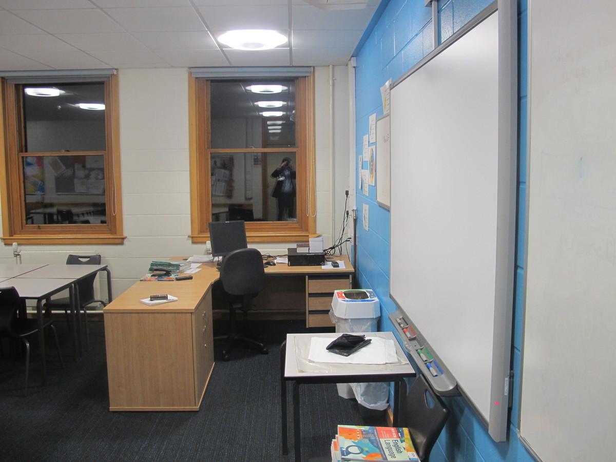 Classrooms - B Corridor - Northampton High School - Northamptonshire - 4 - SchoolHire