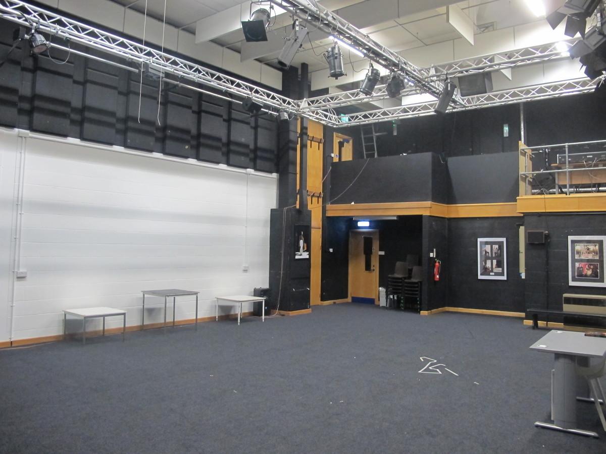 Green Room - Northampton High School - Northamptonshire - 3 - SchoolHire