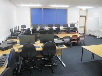 IT Suite - Wake Wing - Northampton High School - Northamptonshire - 4 - SchoolHire