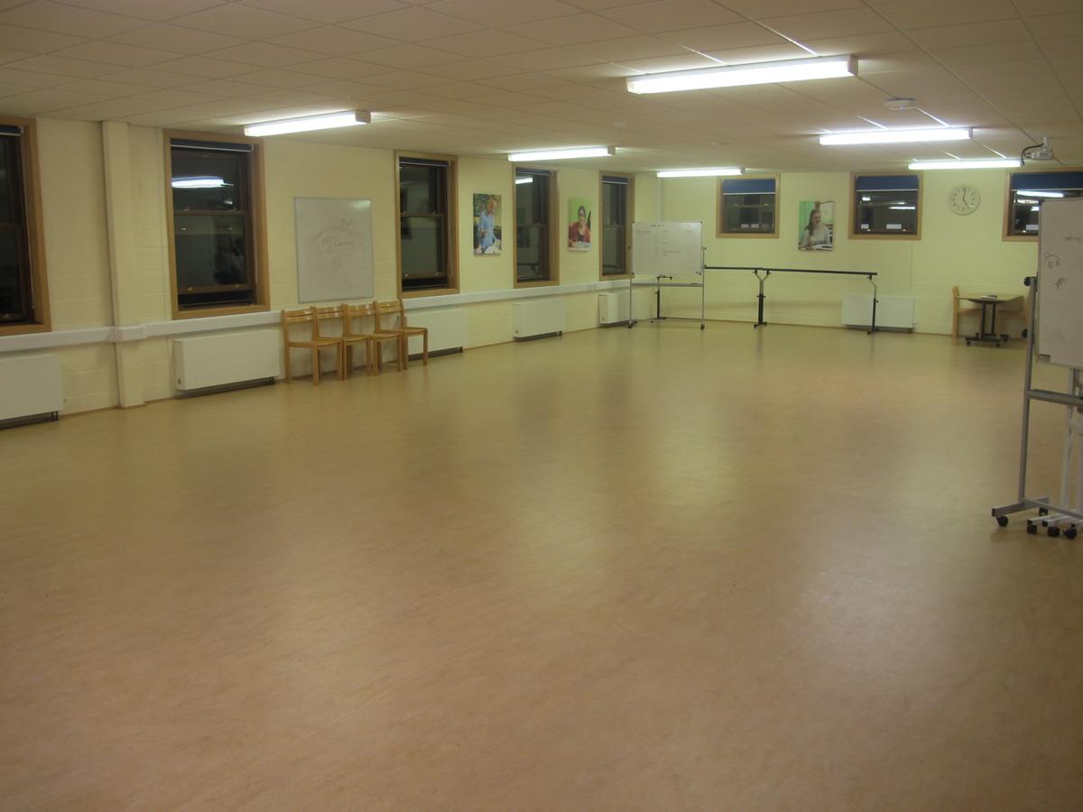 Wake Wing Studio - Northampton High School - Northamptonshire - 2 - SchoolHire