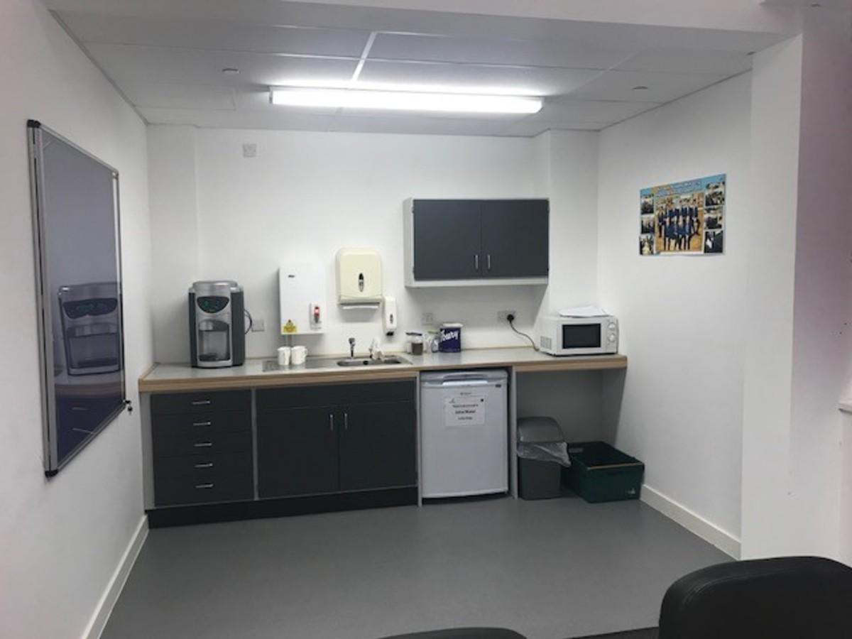 Conference Room - Kirk Balk Academy - Barnsley - 3 - SchoolHire