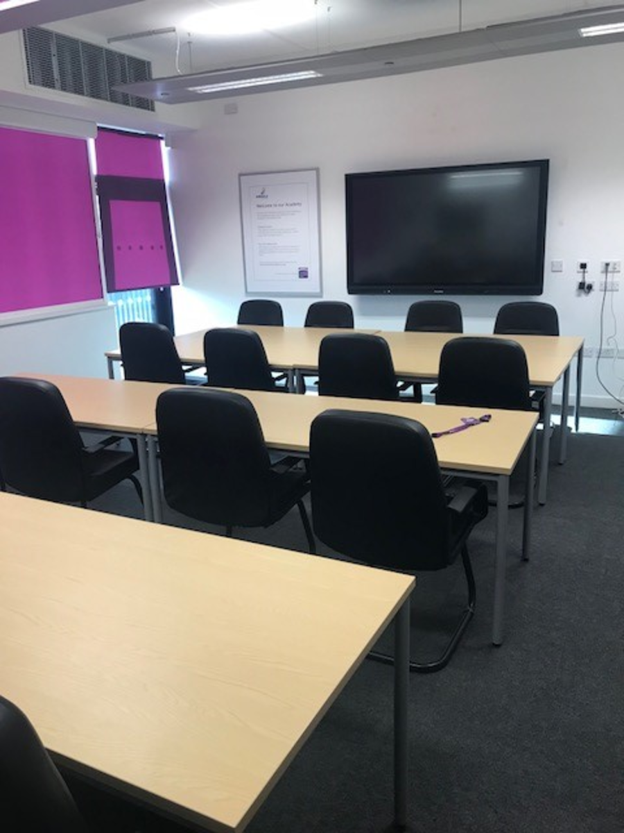 Conference Room - Kirk Balk Academy - Barnsley - 4 - SchoolHire