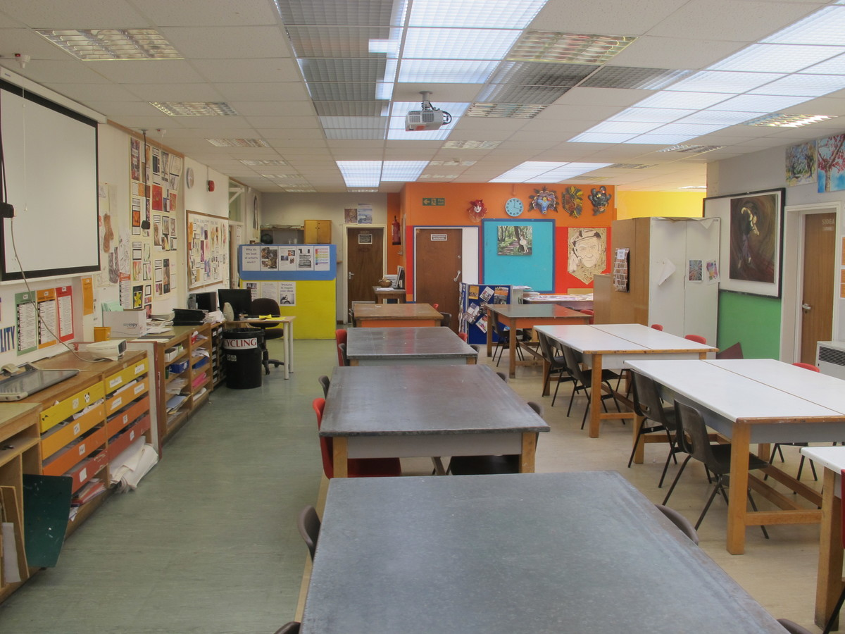 Art Room - Charnwood College - Leicestershire - 2 - SchoolHire