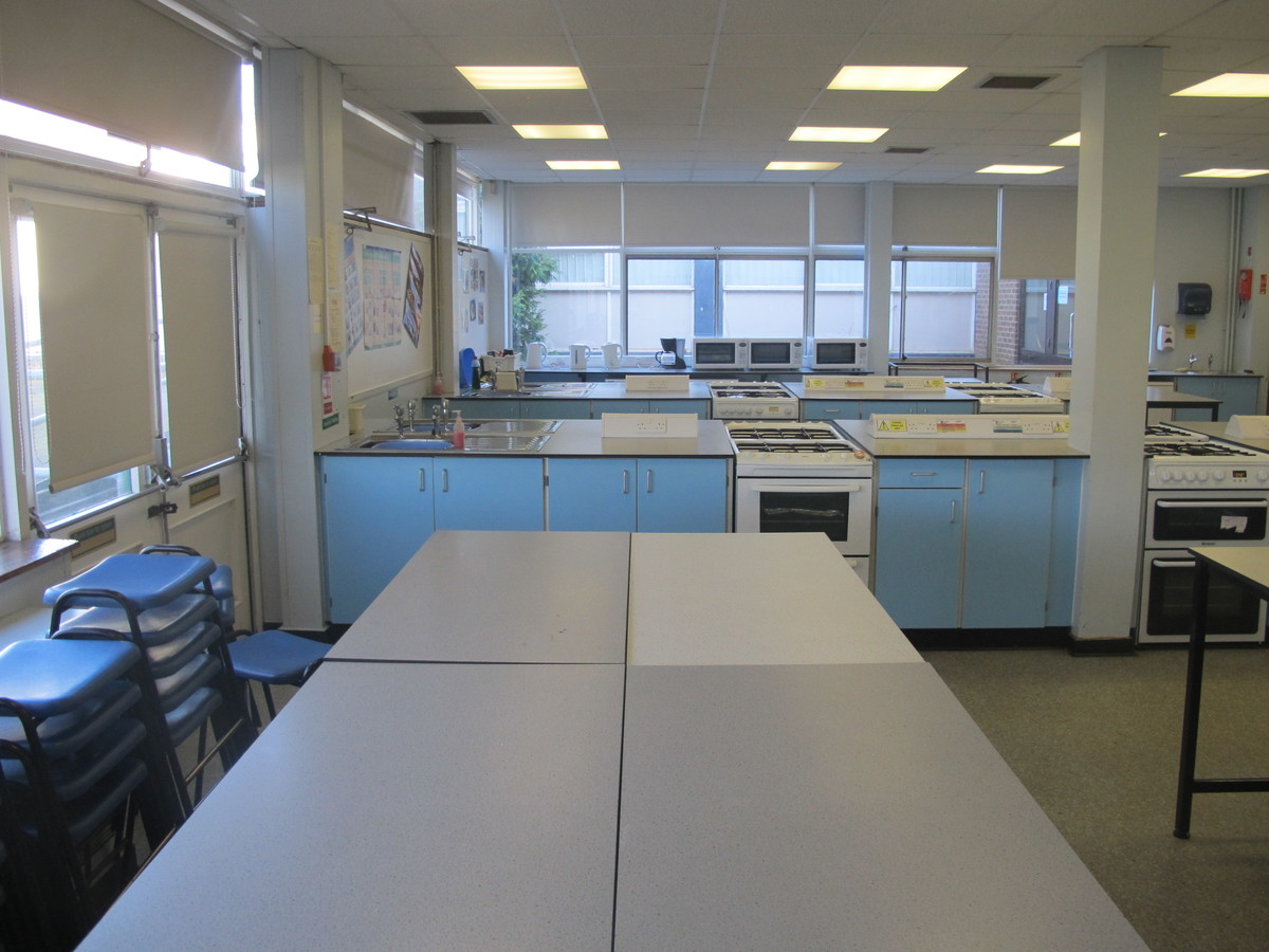 Food Technology Room - Charnwood College - Leicestershire - 2 - SchoolHire