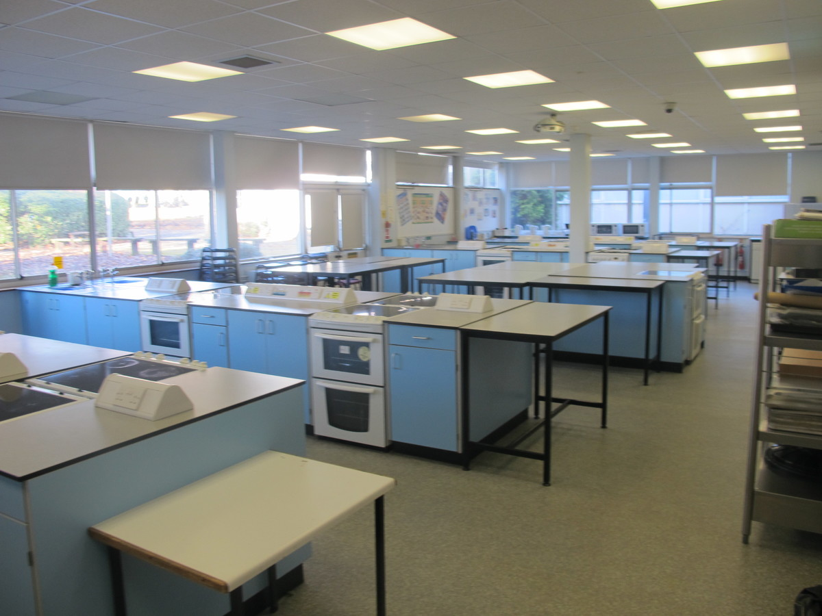 Food Technology Room - Charnwood College - Leicestershire - 3 - SchoolHire