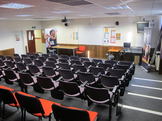 Lecture Theatre - Charnwood College - Leicestershire - 1 - SchoolHire
