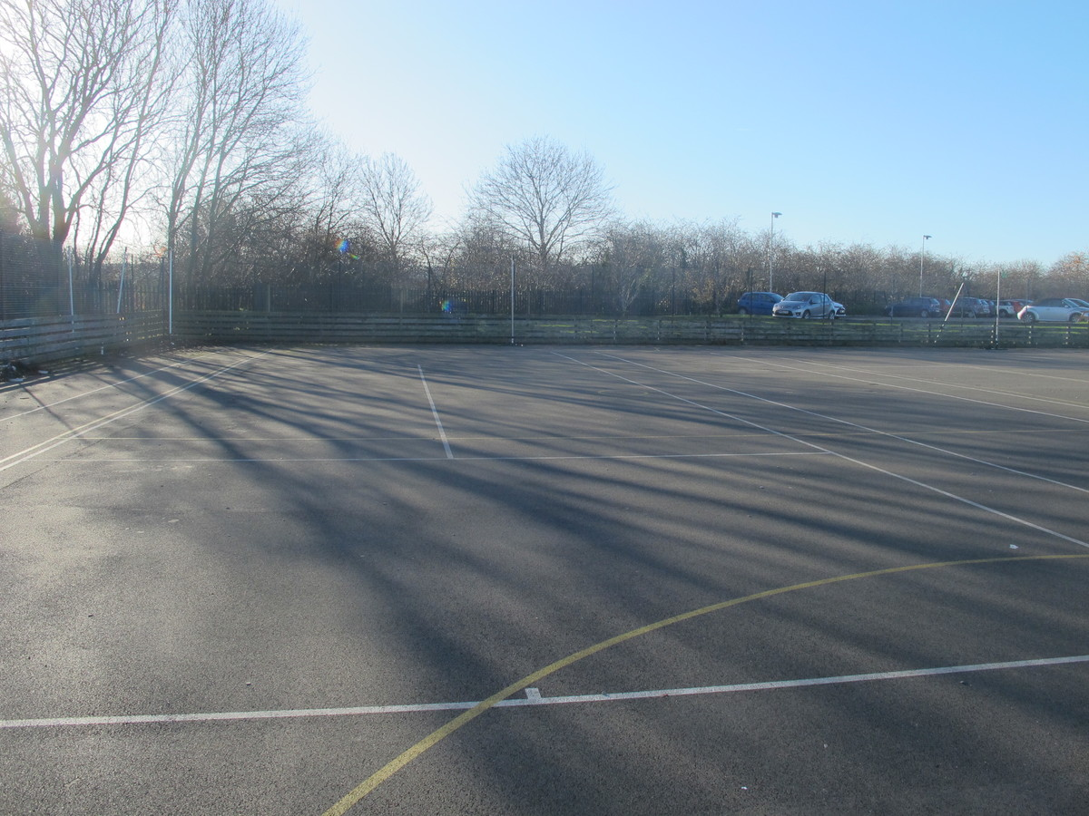 Netball / Tennis Courts - Charnwood College - Leicestershire - 2 - SchoolHire