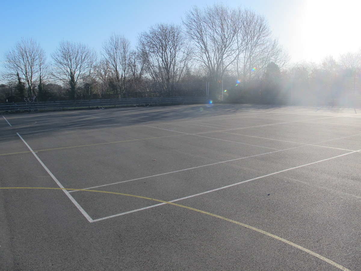 Netball / Tennis Courts - Charnwood College - Leicestershire - 4 - SchoolHire