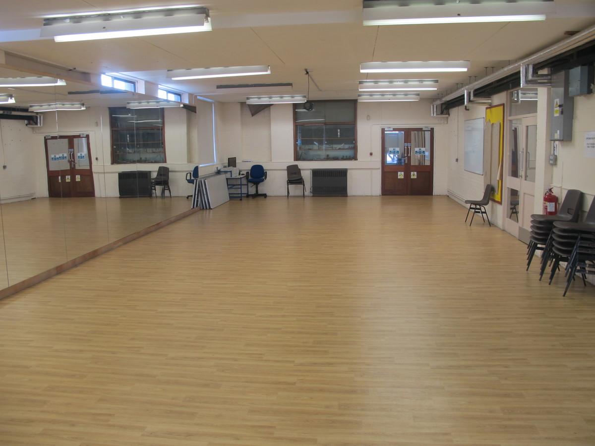 s8 Dance Studio - Charnwood College - Leicestershire - 2 - SchoolHire