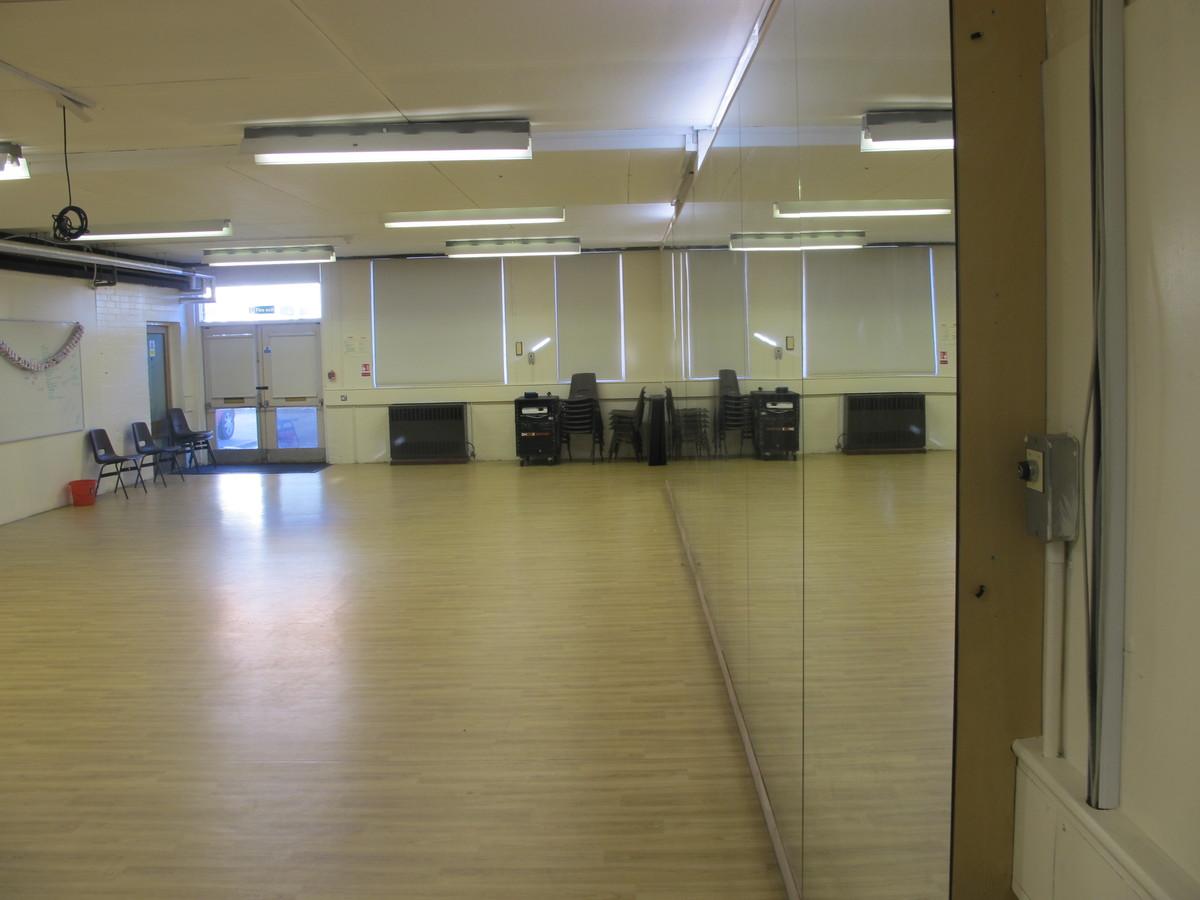 s8 Dance Studio - Charnwood College - Leicestershire - 4 - SchoolHire