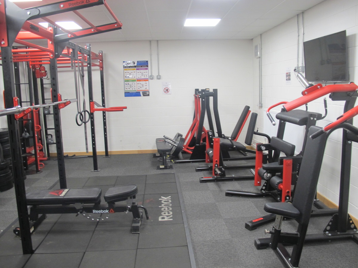 SC - Weights Room - Charnwood College - Leicestershire - 1 - SchoolHire