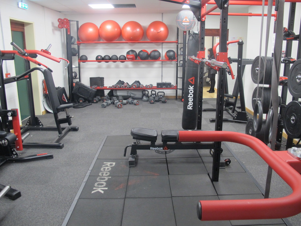 SC - Weights Room - Charnwood College - Leicestershire - 2 - SchoolHire