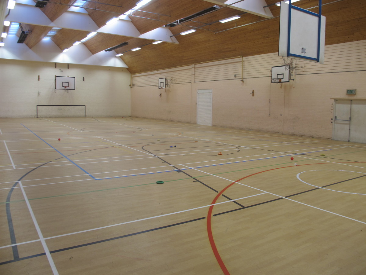 Sports Hall - Charnwood College - Leicestershire - 2 - SchoolHire