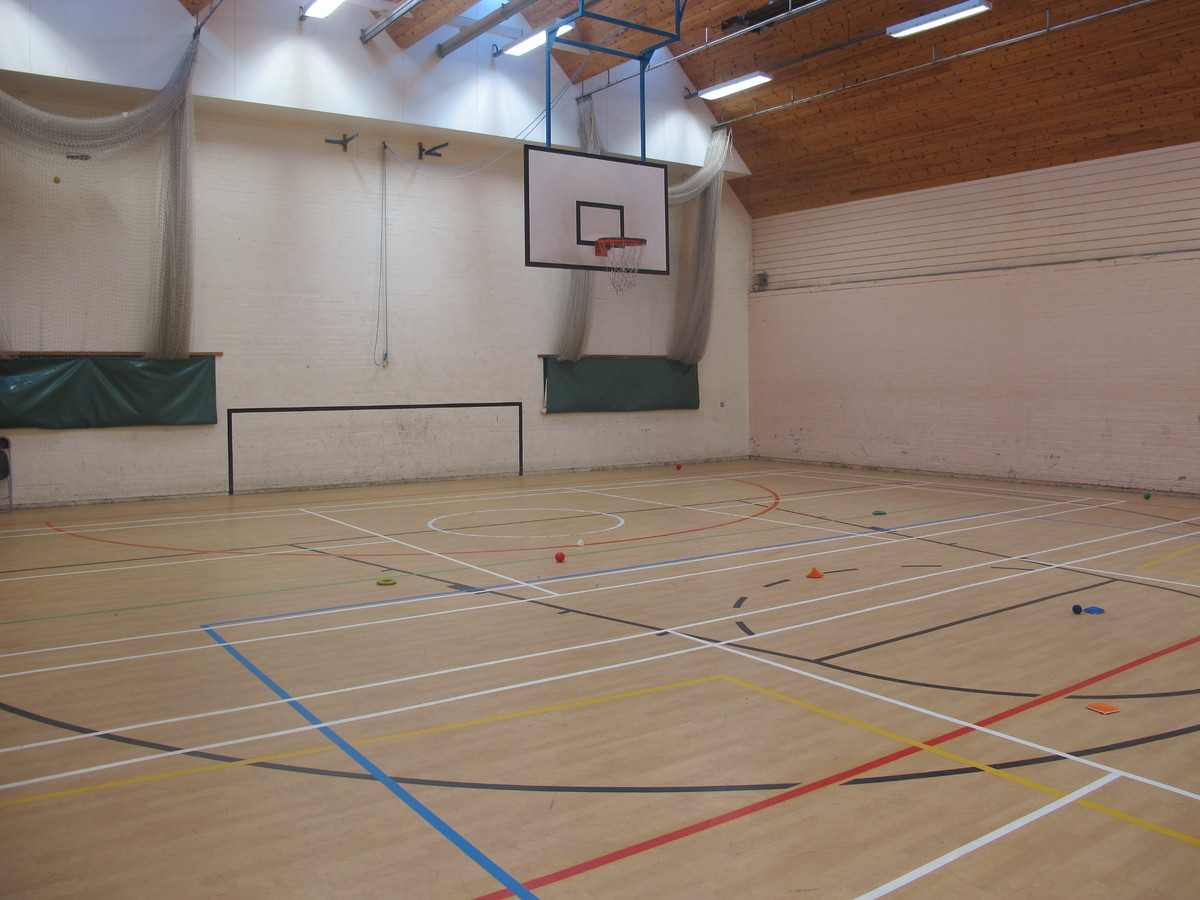 Sports Hall - Charnwood College - Leicestershire - 3 - SchoolHire