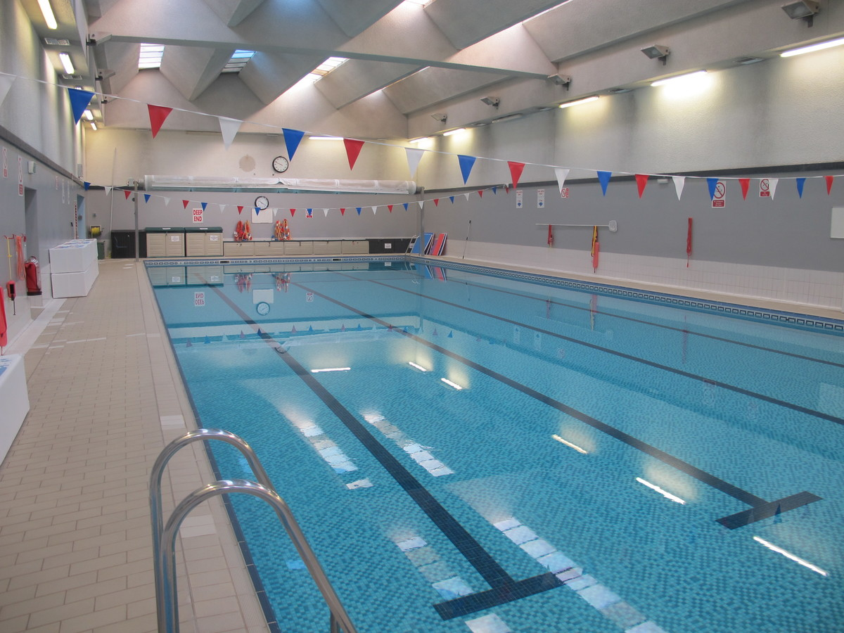 Swimming Pool - Charnwood College - Leicestershire - 4 - SchoolHire